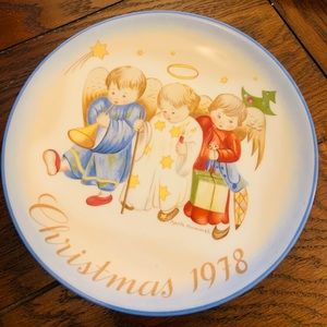 Schmid 1978 Christmas Plate Heavenly Trio Berta